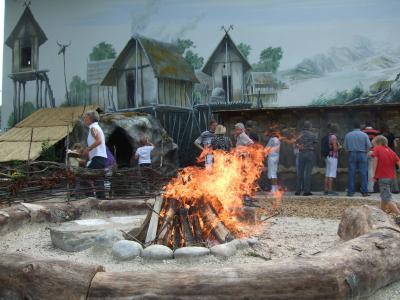 Lagerfeuer im SteinZeitGarten