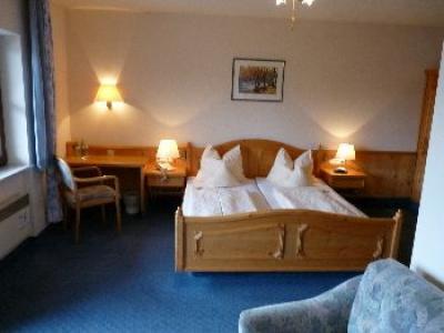 Doppelzimmer barrierefrei (© Hotel Luitpold)