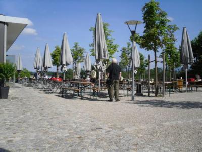 Biergarten Schlosswirtschaft (© NatKo)